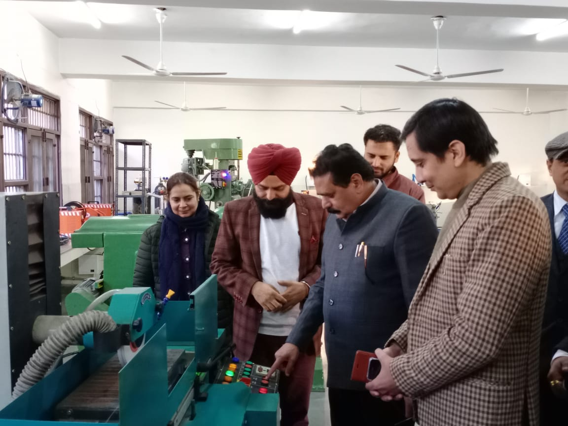Honourable Vice-Chancellor inaugrating Mechanical Engineering Labs